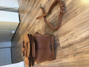 Saddleback Leather (SBL) one piece leather duffle bag (Tobacco)