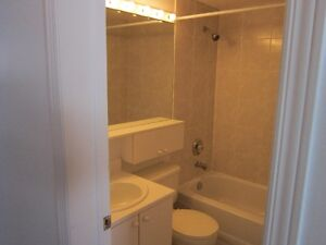 Hautes Plaines..Tranquille   Very clean and quiet Gatineau Ottawa / Gatineau Area image 4