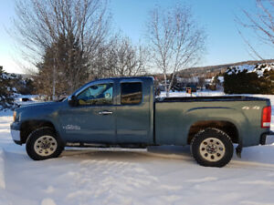 2009 GMC Sierra 1500 Ext. cab Pickup Truck