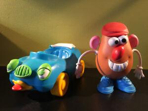 Monsieur Patate avec son auto