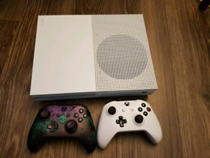 Xbox one s 500GB 8 games