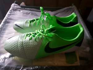 Nike CTR Cleats