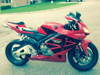 ~~CBR RR, GORGEOUS BIKE WITH OVER +$3K IN PARTS. MUST SELL~~