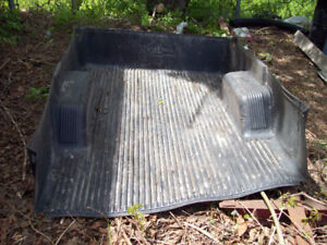Pick up truck bed box liner
