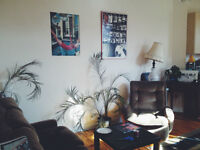 Big sunny room in the heart of Mile End - July 1st