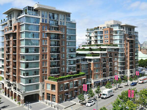 """""""""""Hot New Listing"""" most desirable condo Victoria Downtown"""