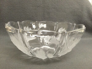 Collectible Antique Embossed Glass Serving Bowl London Ontario image 1