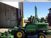John Deere 2006 commercial front mount mower 1435 only 1435 hrs
