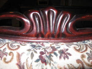 Vintage French Provincial Sofa and Chairs Peterborough Peterborough Area image 8