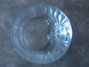 Lalique Ashtray - Lion frosted crystal - Excellent condition