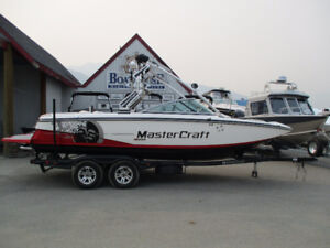 2010 MASTERCRAFT X25 WITH ONLY 98 HRS!!