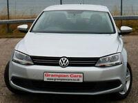 Volkswagen Jetta 1.6TDI ( 105ps ) BlueMotion Tech DSG 2012MY SE