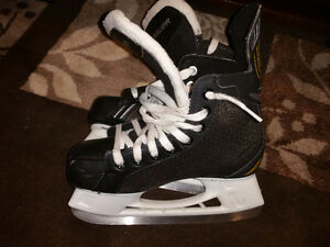 Bauer pro supreme youth junior skates size 1R