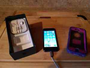 iPhone 5 (ROGERS) with Otterbox Defender case