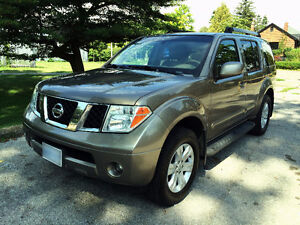 Nissan Pathfinder LE 2006 with warranty