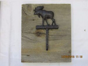 Beautiful cast Iron coat hooks on reclaimed Barnboard Belleville Belleville Area image 2