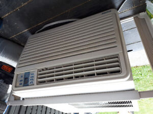vends climatiseur fenetre danby 14000 btu