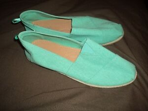 Brand New Womens Flats in Size 10
