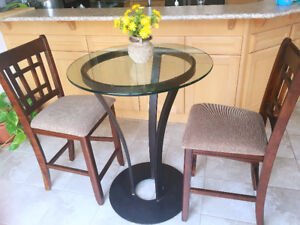 Breakfast table and high chairs