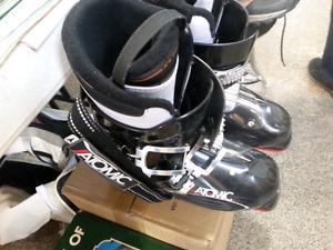 Atomic Mens Ski Boots