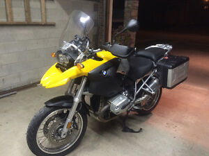 2004 BMW R1200GS with luggage, cover, GPS and jacket