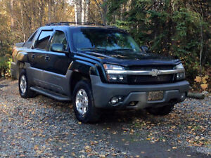 2002 Chevrolet Avalanche Loaded Pickup Truck