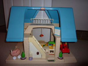 Little Tikes Blue Dollhouse with Furniture