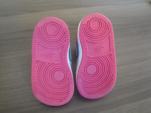 Brand New Nike Force Silver & Pink Velcro Running Shoes Size 4c London Ontario image 2