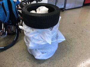 4 Michelin X ice snow tires for sale. 225/40/R18.