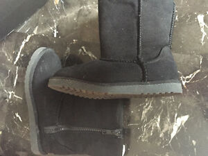 Shoes and boots size 11(kids) to 8 ladies Kitchener / Waterloo Kitchener Area image 2
