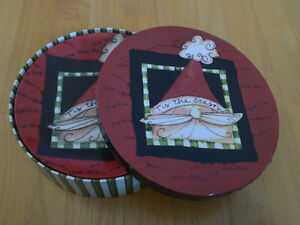 Brand new in box holiday theme set of 4 dessert plates London Ontario image 1
