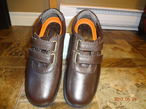 Arnold Palmer Brown Easy Velcro Shoes