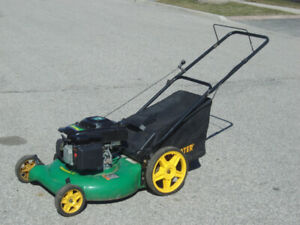 LIKE NEW 3 IN 1 WEEDEATER LAWNMOWER OHV 550 140CC WITH REAR BAG!