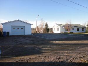 grande maison en villegiature a vendre