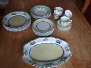 VILLEROY & BOCH FRENCH GARDEN SET FOR 6