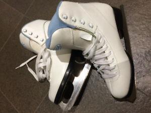 Women's DBX Soft Boot Figure Skates  Size 6