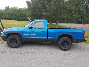 2000 Dodge Dakota Sport Pickup Truck