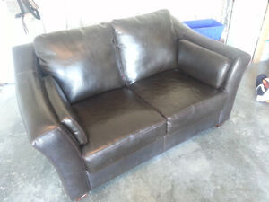 Leather Loveseat for sale - Excellent condition