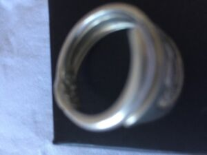 NEW LADIES SOLID SILVER RING