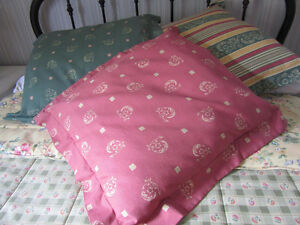 Comforter Town&Country QUEEN with Euro cushions West Island Greater Montréal image 3