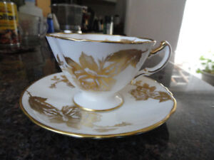 Cup & saucer Hammersley rose gold    30$