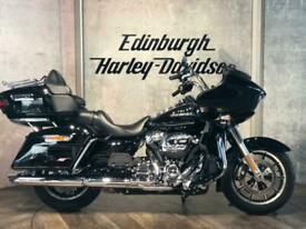 Harley-Davidson Road Glide Ultra. Low miles. Stand out from the crowds.