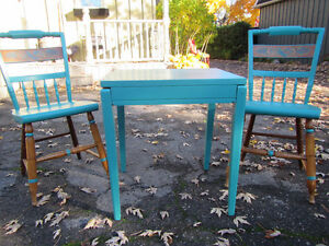 Table with Two Chairs London Ontario image 5