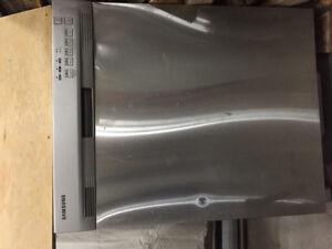 Lave-Vaisselle Samsung en Acier inoxydable