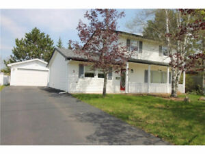 PRICE REDUCED $11,600.00 / RIVERVIEW with 18x24 GARAGE