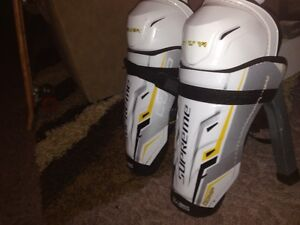 Bauer Comp. Shinpads - 14'' - BRAND NEW