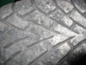 Tires/Pneus  winter/hiver 195/60/15
