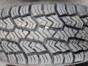 2 pneus LT 225/75R16