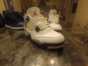 White cement 4s nike air size 11.5 VNDS $320