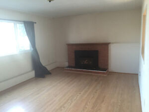Bright & Sunny 1 Bedroom Above Ground Unit